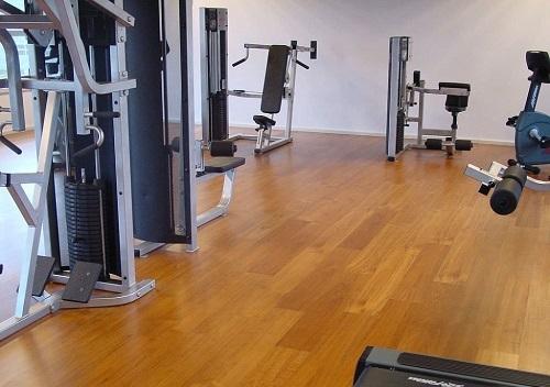 ¿Qué parquet instalar en un gimnasio, oficina o restaurante?