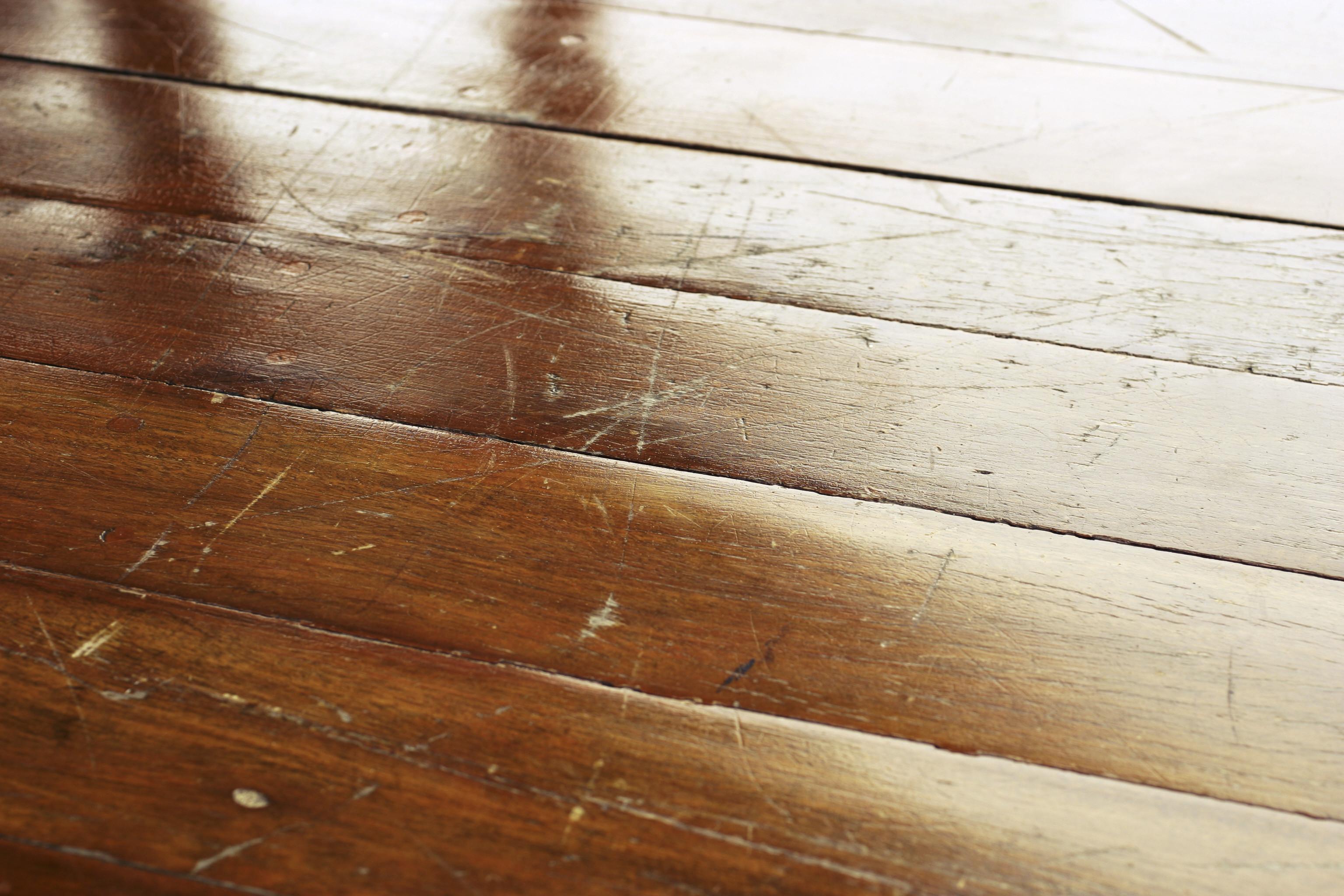 """""""¿Es buena idea plastificar un piso de parquet?"""""""